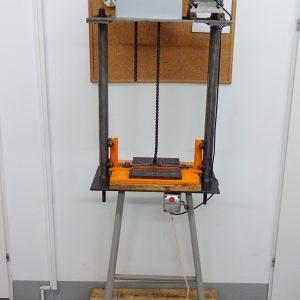 Prasa do bloków i leg z napędem elektryczny